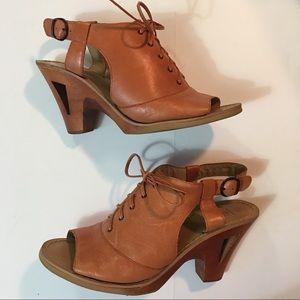 Latigo Trellis Leather Lace-up Heels size 8.5